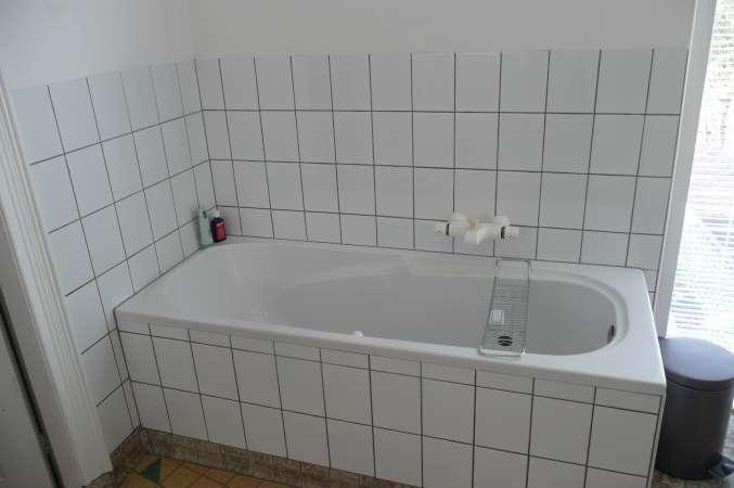 Toilet tegels pimpen for Badkamer tekening maken